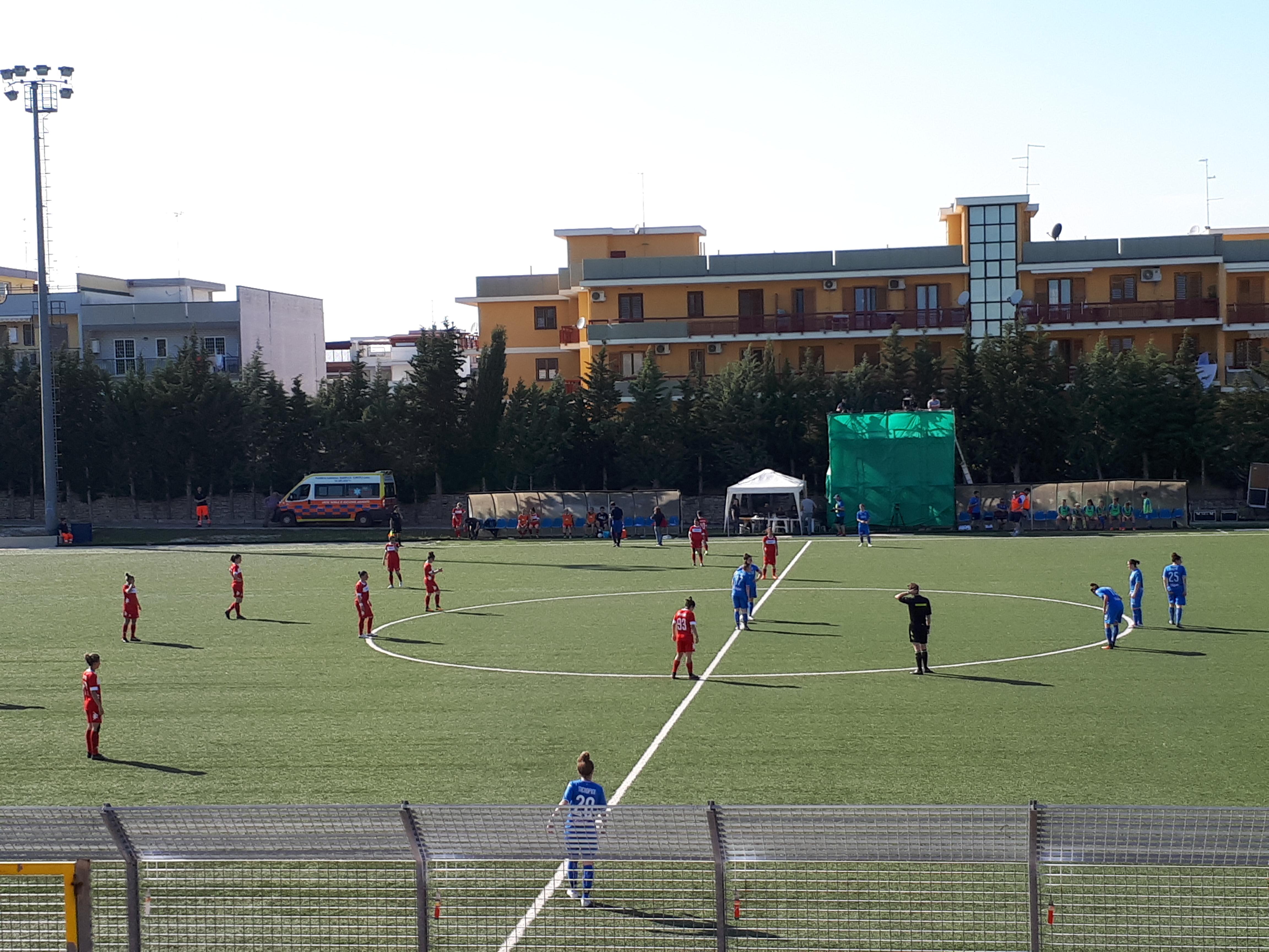 """Pink Bari – Empoli ladies 1-3, """"bagarre"""" per la zona playout, si sblocca  Manno ma le toscane si rimettono in gioco affondando le biancorosse - Calcio  in Rosa"""