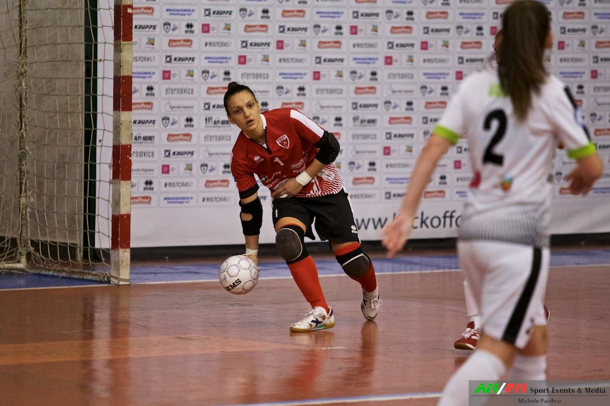 "Kick Off-Italcave per la vetta, Angelica Dibiase: ""Carpe diem"" - Calcio in  Rosa"